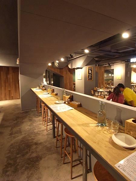台北市薄多義義式手工披薩市府店 (40)
