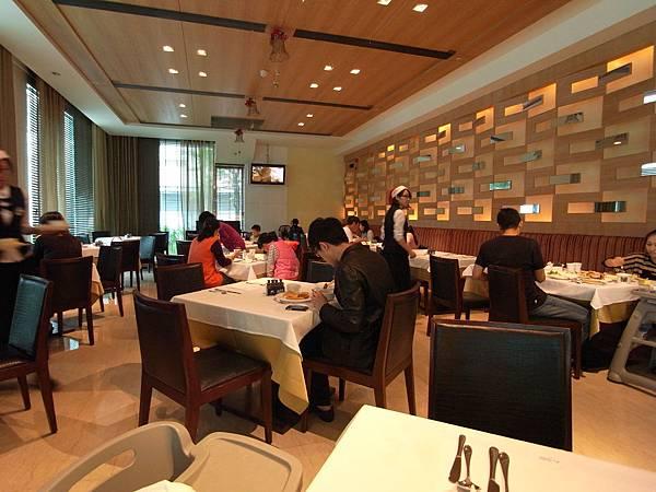 台南市臺邦商旅:帕莎新餐廳 (13)