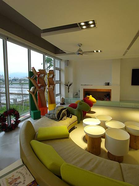 宜蘭縣羅東鎮調色盤築夢會館:客廳 (4)