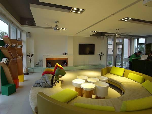 宜蘭縣羅東鎮調色盤築夢會館:客廳 (5)