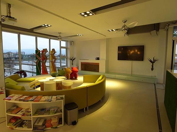 宜蘭縣羅東鎮調色盤築夢會館:客廳 (6)