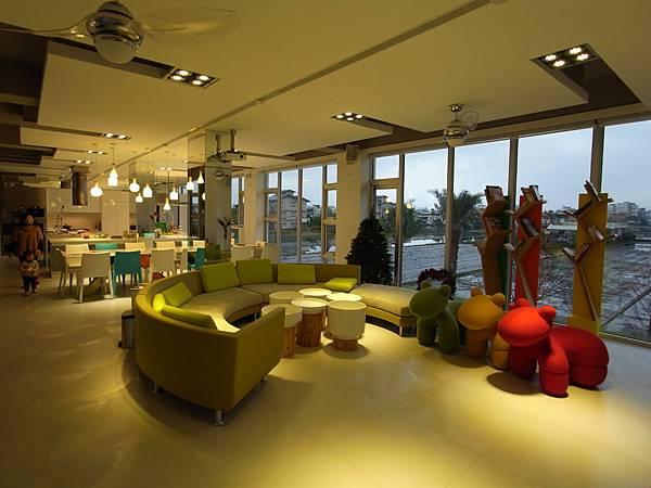 宜蘭縣羅東鎮調色盤築夢會館:客廳 (8)