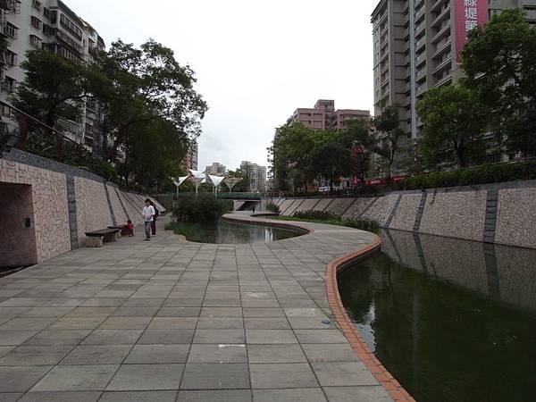 台北縣新莊市中港大排 (22)