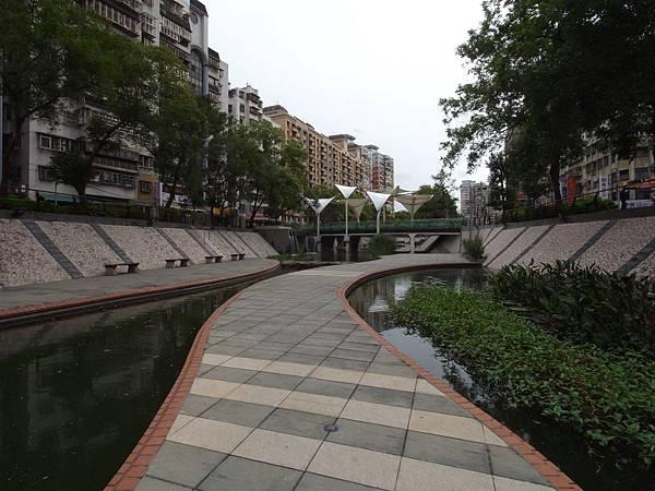台北縣新莊市中港大排 (23)
