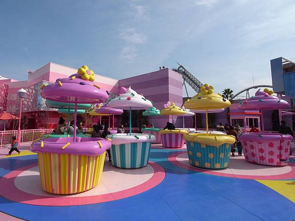 日本大阪市ユニバーサルシティ:ハローキティのカップケーキ ドリーム (1)