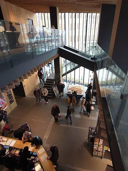 日本東京都浅草文化観光センター (25)