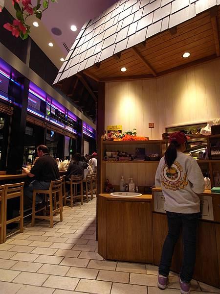 日本東京都ソラマチ商店街:クア。アイナ (4)