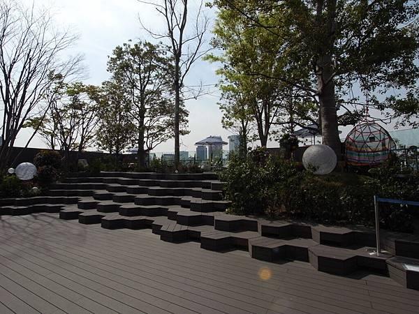日本東京都東急プラザ 表参道原宿:STARBUCKS+おもはらの森 (9)