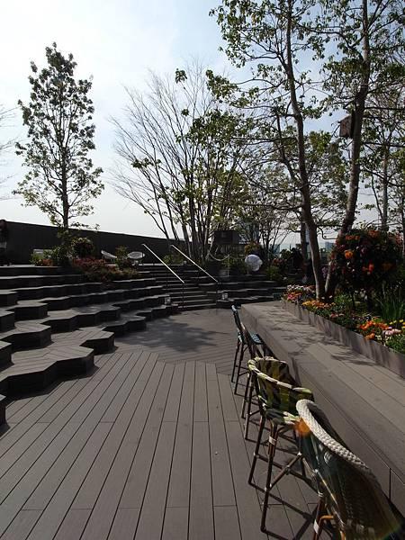 日本東京都東急プラザ 表参道原宿:STARBUCKS+おもはらの森 (15)