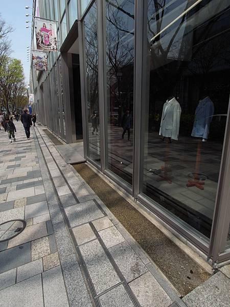 日本東京都OMOTESANDO HILLS (3)