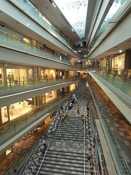 日本東京都OMOTESANDO HILLS (4)