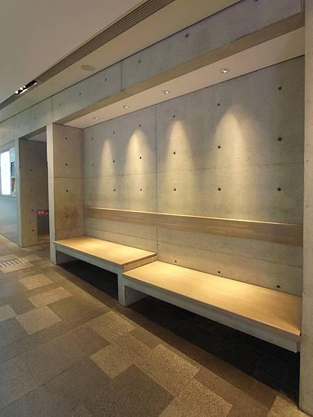 日本東京都OMOTESANDO HILLS (9)
