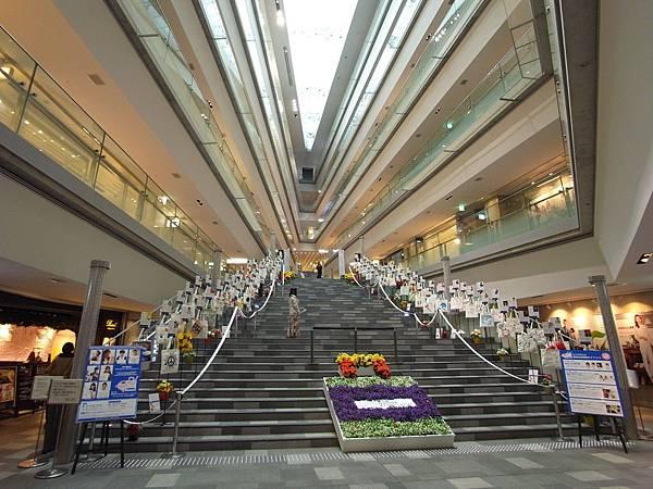 日本東京都OMOTESANDO HILLS (15)