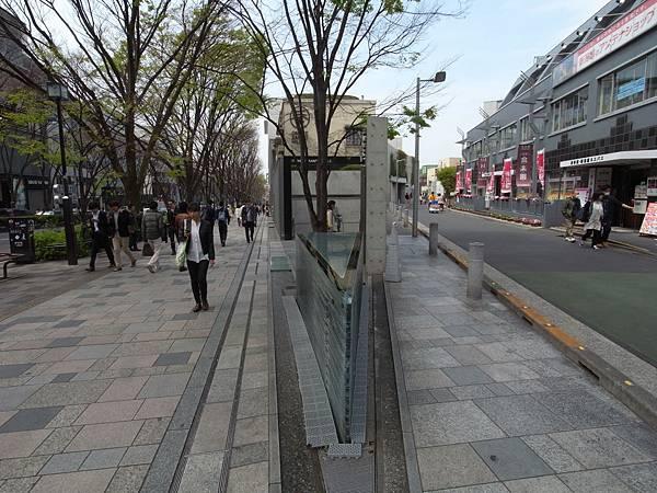 日本東京都OMOTESANDO HILLS (20)