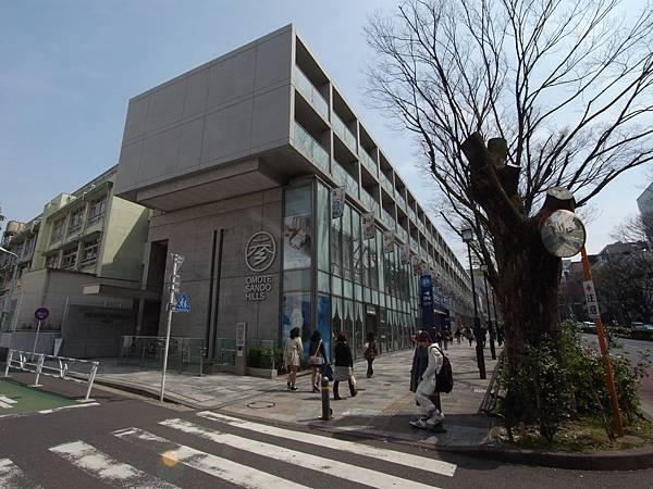 日本東京都OMOTESANDO HILLS (22)