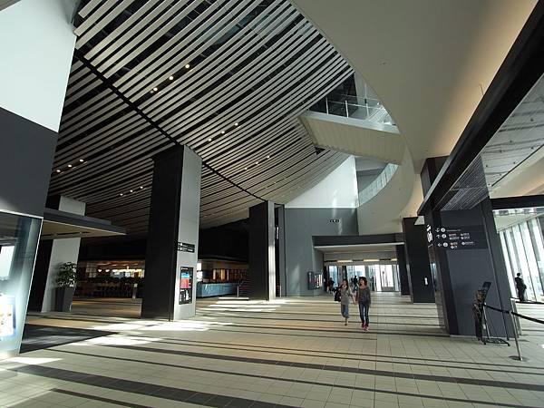 日本東京都渋谷ヒカリエ:Sky Lobby+TOKYU THEATRE Orb (15)