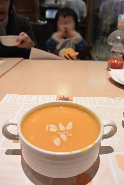 台北市咖哩匠環球店 (13)