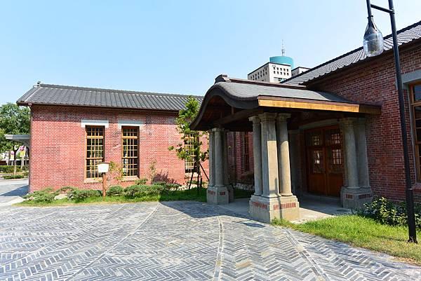 台北市西本願寺廣場 (10).JPG