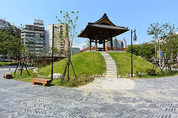 台北市西本願寺廣場 (11).JPG