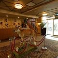 新竹縣關西鎮關西六福莊生態渡假旅館:外觀+大廳 (38).JPG