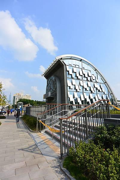 台北市大安森林公園捷運站【盜攝版】 (13).JPG