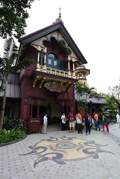 香港迪士尼樂園:大冒險家餐廳 (10).JPG