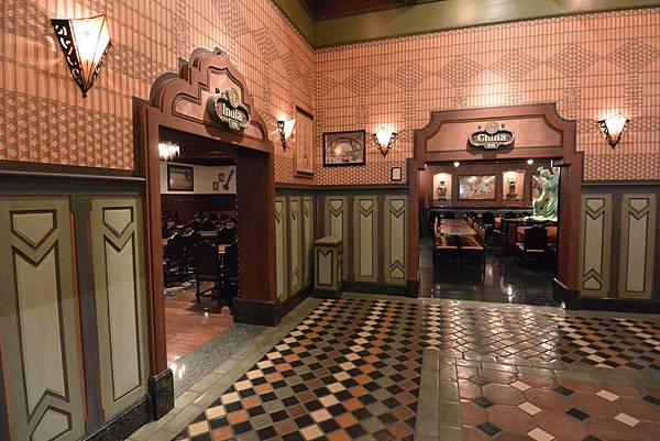 香港迪士尼樂園:大冒險家餐廳 (15).JPG