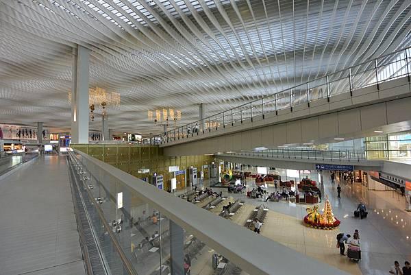 香港香港國際機場二號客運大樓 (1).JPG