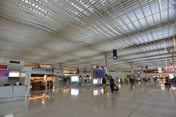 香港香港國際機場二號客運大樓 (2).JPG