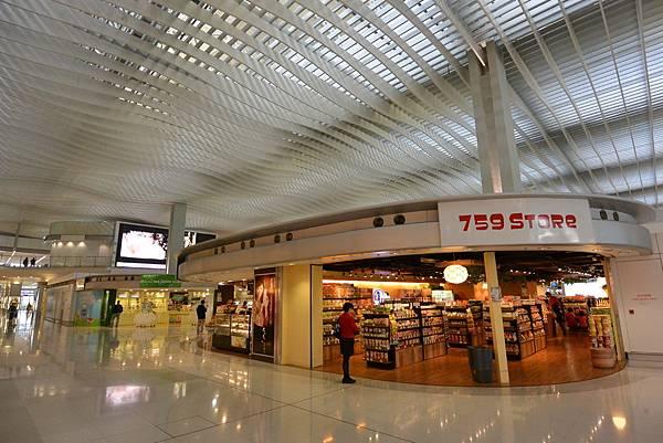 香港香港國際機場二號客運大樓 (3).JPG