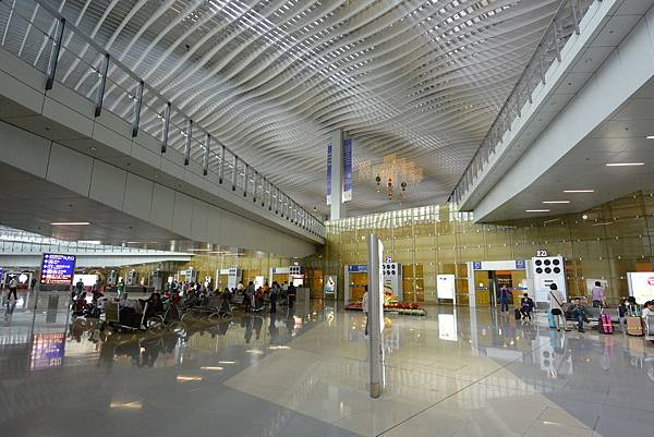 香港香港國際機場二號客運大樓 (14).JPG