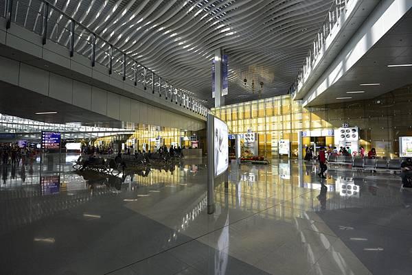 香港香港國際機場二號客運大樓 (16).JPG