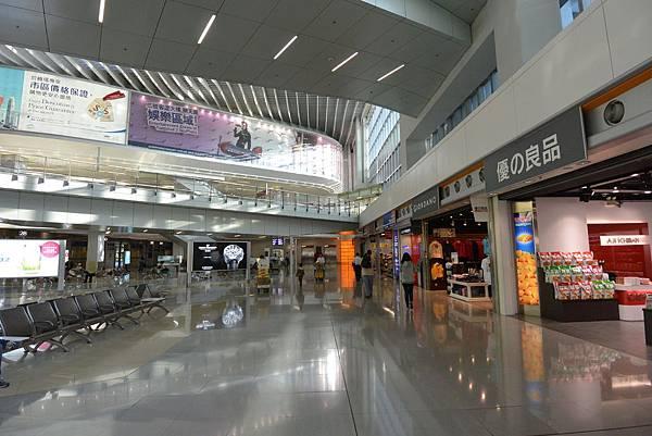 香港香港國際機場二號客運大樓 (17).JPG