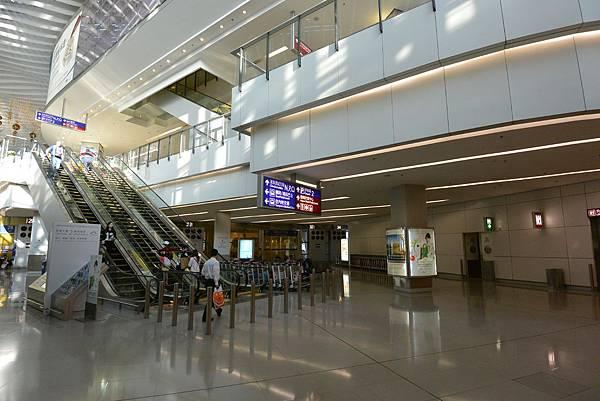 香港香港國際機場二號客運大樓 (18).JPG