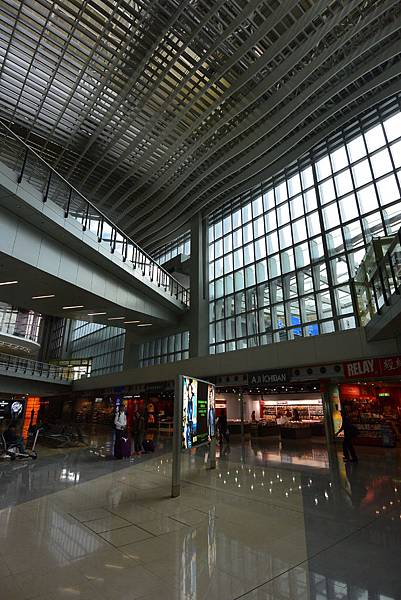 香港香港國際機場二號客運大樓 (22).JPG