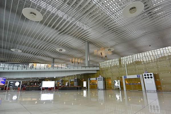 香港香港國際機場二號客運大樓 (23).JPG