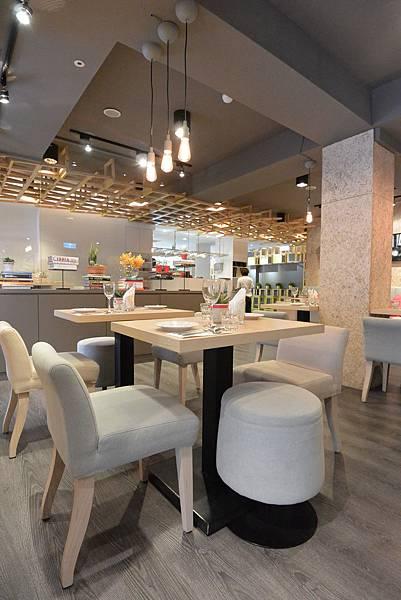 台北市Les Bébés CAFE & BAR (11).JPG