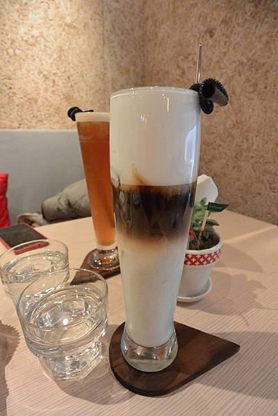 台北市Les Bébés CAFE & BAR (34).JPG