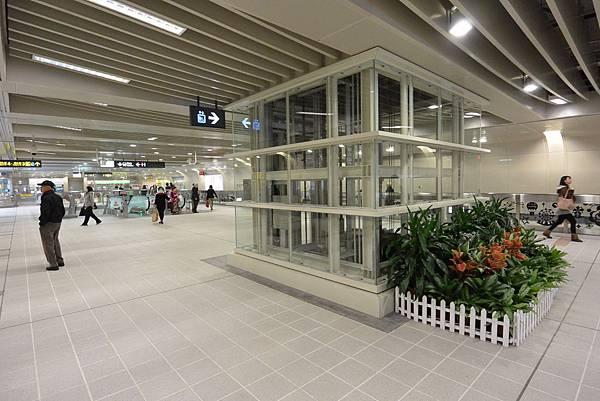 台北市捷運信義線 (7).jpg