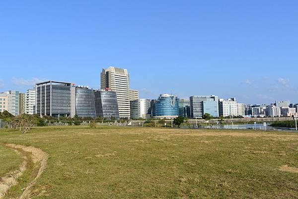 台北市美堤河濱公園.jpg