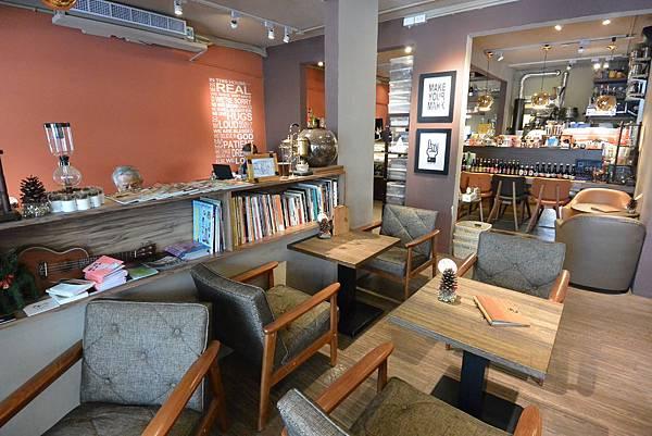 台北市左cafe (1).JPG