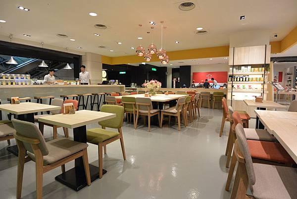 台北市KNUTSEN Petite Cafe信義新天地店 (1).JPG