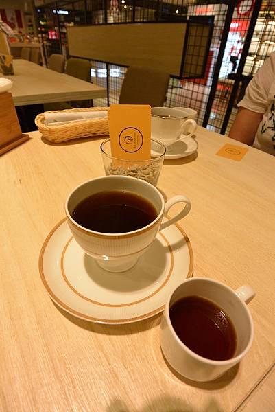 台北市KNUTSEN Petite Cafe信義新天地店 (6).JPG