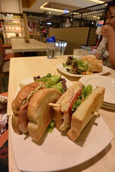 台北市KNUTSEN Petite Cafe信義新天地店 (10).JPG