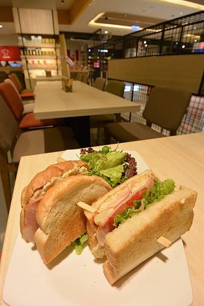 台北市KNUTSEN Petite Cafe信義新天地店 (11).JPG
