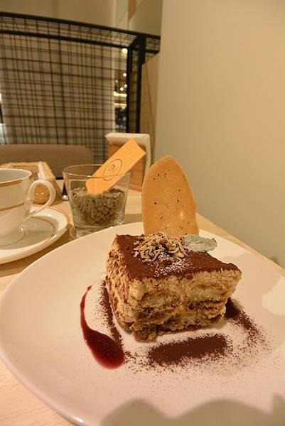 台北市KNUTSEN Petite Cafe信義新天地店 (12).JPG