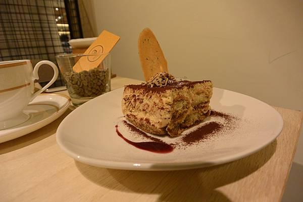 台北市KNUTSEN Petite Cafe信義新天地店 (13).JPG