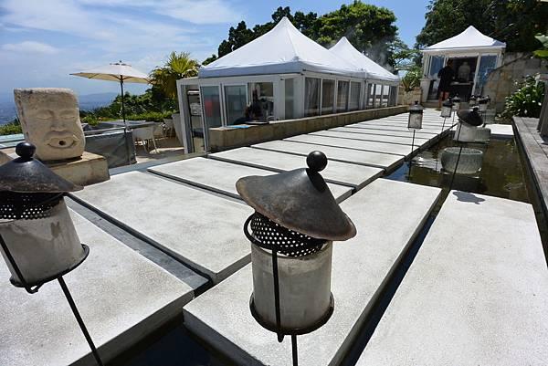 台北市屋頂上景觀餐廳 (2).JPG