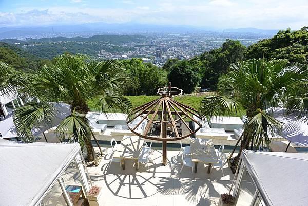 台北市屋頂上景觀餐廳 (6).JPG