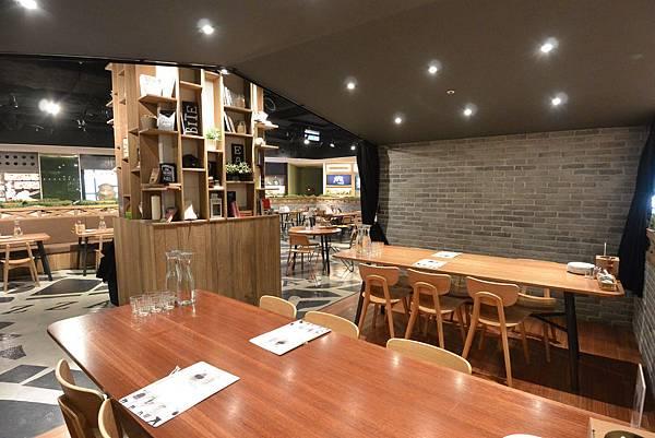 台北市薄多義義式手工披薩ATT店 (3).JPG